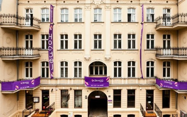 Blooms Boutique Hostel Познань вид на фасад