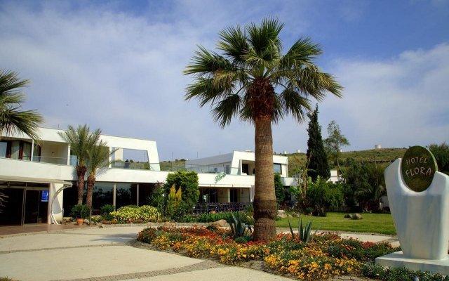 Отель Flora вид на фасад