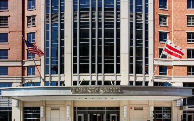 Отель Embassy Suites Washington D.C. - Convention Center США, Вашингтон - отзывы, цены и фото номеров - забронировать отель Embassy Suites Washington D.C. - Convention Center онлайн вид на фасад