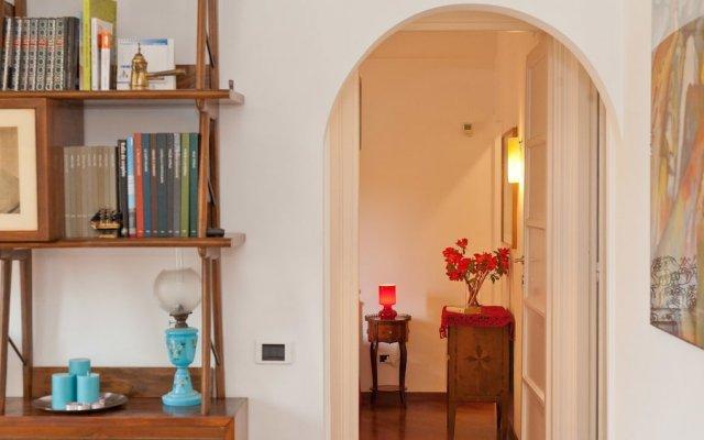Отель Rental In Rome Pateras Flower комната для гостей