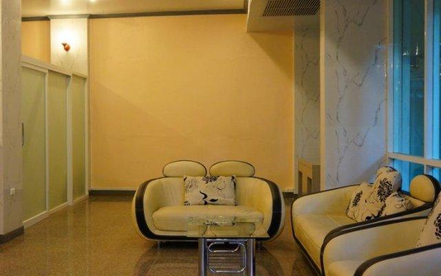 Отель J Two S Pratunam Бангкок балкон