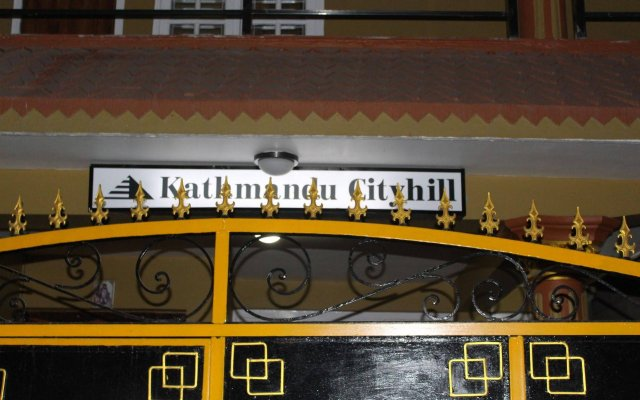 Отель Kathmandu CityHill Studio Apartment Непал, Катманду - отзывы, цены и фото номеров - забронировать отель Kathmandu CityHill Studio Apartment онлайн вид на фасад