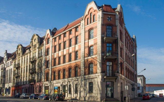 Отель Smart Aps Apartamenty Mikolowska9 вид на фасад