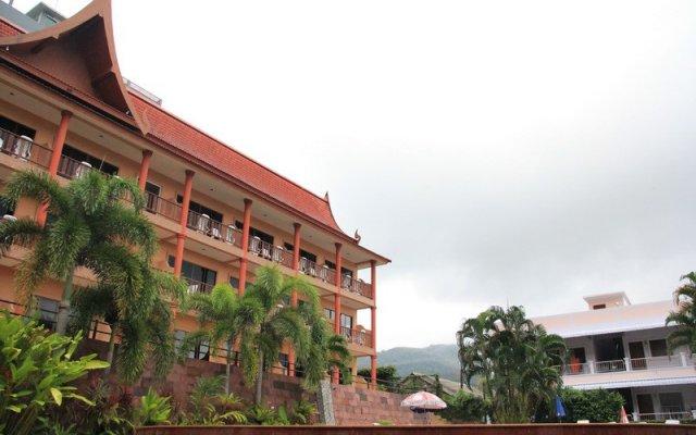 Отель Casa Del M Resort Phuket Патонг вид на фасад