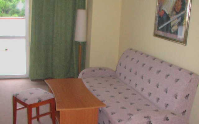 Hotel Seasons Боженци комната для гостей