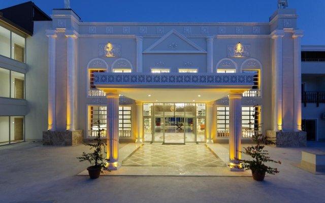 Отель Justiniano Deluxe Resort – All Inclusive Окурджалар вид на фасад