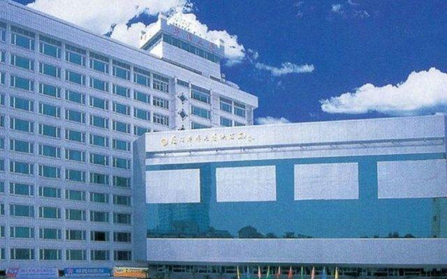 Отель Xiamen Huaqiao Hotel Китай, Сямынь - отзывы, цены и фото номеров - забронировать отель Xiamen Huaqiao Hotel онлайн вид на фасад