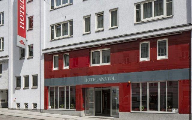 Austria Trend Hotel Anatol вид на фасад