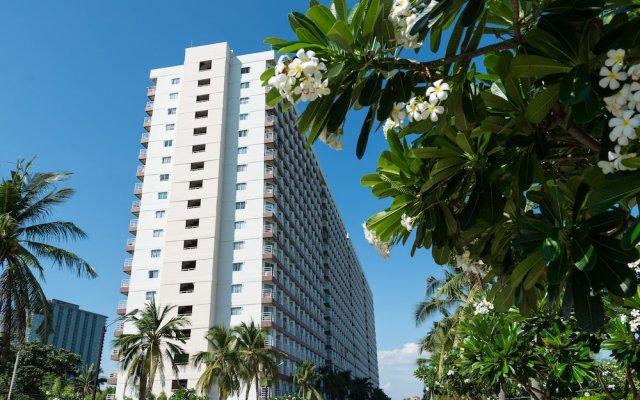 Отель Jomtien Beach Condominium Паттайя вид на фасад