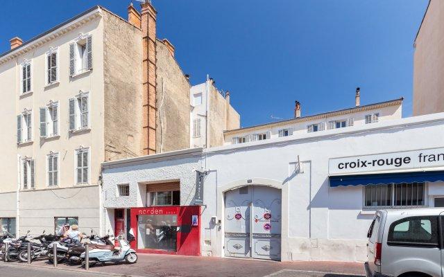 Отель Florella Marceau вид на фасад