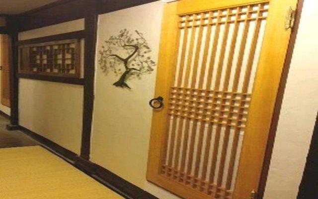 Отель Seoul Guesthouse Foreigners Only вид на фасад