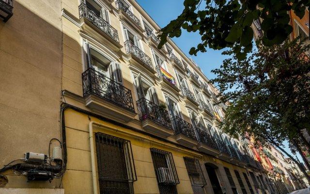 Отель Barbieri International Мадрид вид на фасад