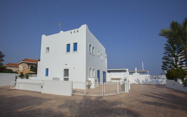 Отель Mimosa Seafront Villa Кипр, Протарас - отзывы, цены и фото номеров - забронировать отель Mimosa Seafront Villa онлайн вид на фасад
