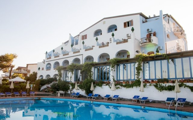 Arathena Rocks Hotel Джардини Наксос вид на фасад