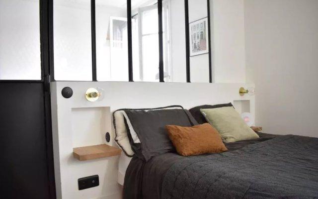 Апартаменты Stylish 1 Bedroom Apartment in Le Marais комната для гостей