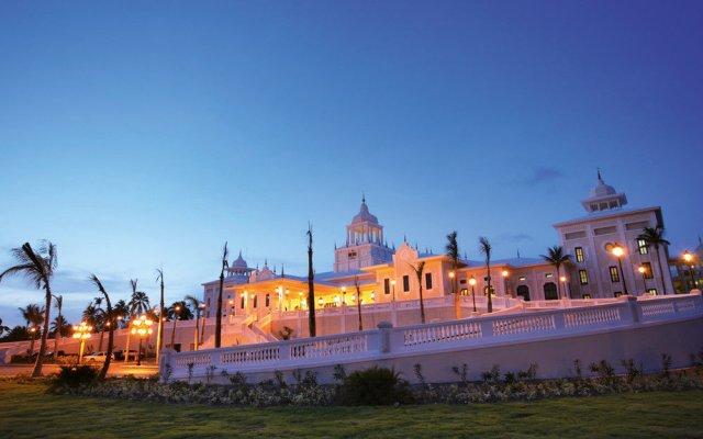Отель RIU Palace Punta Cana All Inclusive Доминикана, Пунта Кана - 9 отзывов об отеле, цены и фото номеров - забронировать отель RIU Palace Punta Cana All Inclusive онлайн вид на фасад