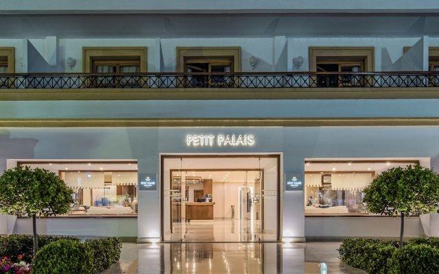 Отель Mitsis Petit Palais Beach Hotel Греция, Родос - 4 отзыва об отеле, цены и фото номеров - забронировать отель Mitsis Petit Palais Beach Hotel онлайн вид на фасад