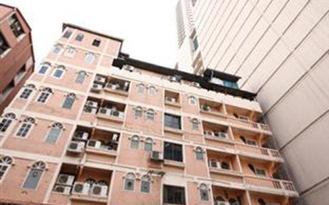 Отель ZEN Rooms Basic Rajprarop 5 Бангкок вид на фасад