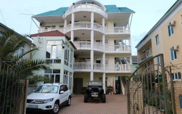 Гостиница Алена вид на фасад