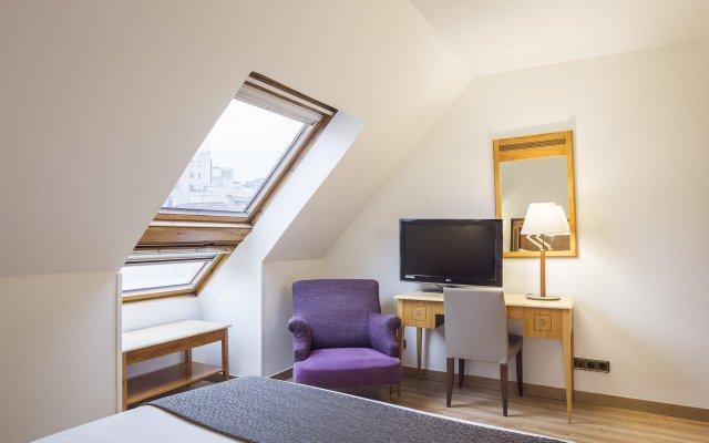 Отель Apartamentos Leganitos Испания, Мадрид - отзывы, цены и фото номеров - забронировать отель Apartamentos Leganitos онлайн комната для гостей