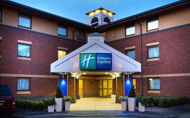 Отель Holiday Inn Express Exeter M5, Jct 29 вид на фасад