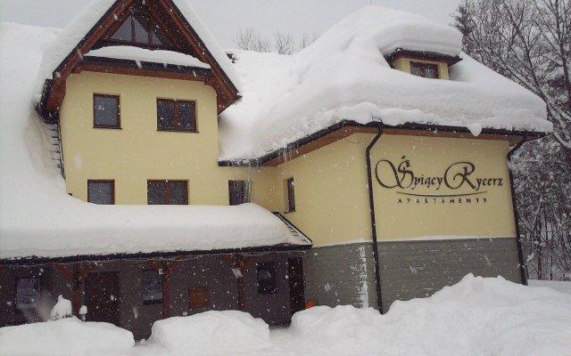 Отель RentPlanet Spiacy Rycerz вид на фасад