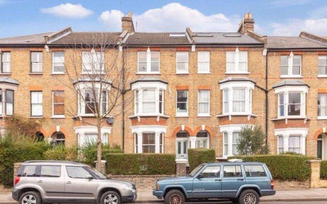 Отель 2 Bedroom Flat In North London Великобритания, Лондон - отзывы, цены и фото номеров - забронировать отель 2 Bedroom Flat In North London онлайн вид на фасад