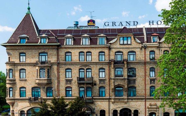 Best Western Plus Grand Hotel вид на фасад