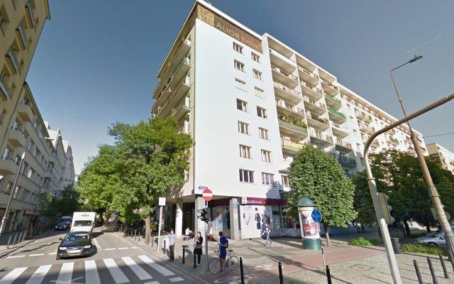 Отель Warsawrent Marszalkowska Studios Польша, Варшава - 1 отзыв об отеле, цены и фото номеров - забронировать отель Warsawrent Marszalkowska Studios онлайн вид на фасад