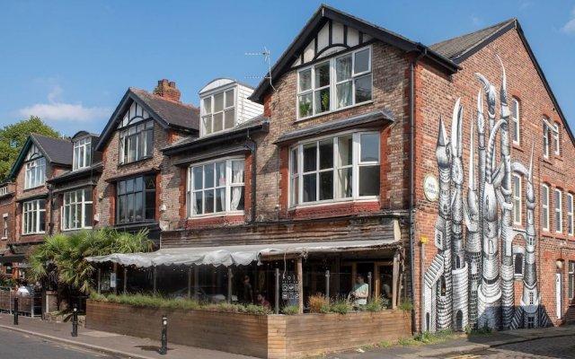 Отель Cosy Studio in Heart of West Didsbury Великобритания, Манчестер - отзывы, цены и фото номеров - забронировать отель Cosy Studio in Heart of West Didsbury онлайн вид на фасад