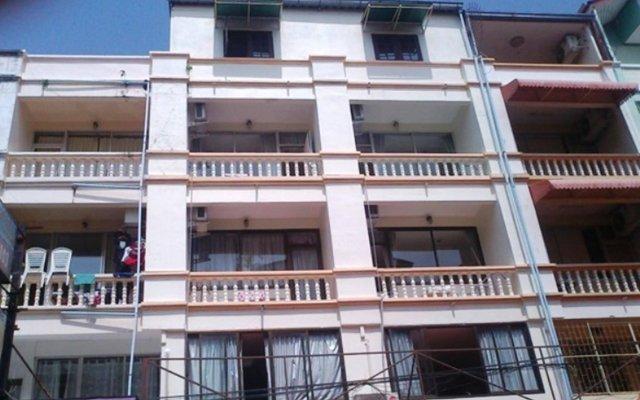 Отель Bayleaves Guesthouse Таиланд, Паттайя - отзывы, цены и фото номеров - забронировать отель Bayleaves Guesthouse онлайн вид на фасад