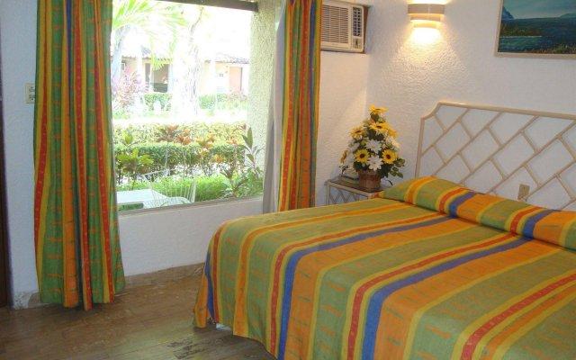 Sands Acapulco Hotel & Bungalows комната для гостей