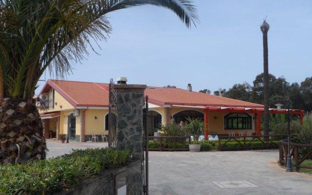 Отель Agriturismo Cascina Concetta Италия, Пиццо - отзывы, цены и фото номеров - забронировать отель Agriturismo Cascina Concetta онлайн вид на фасад
