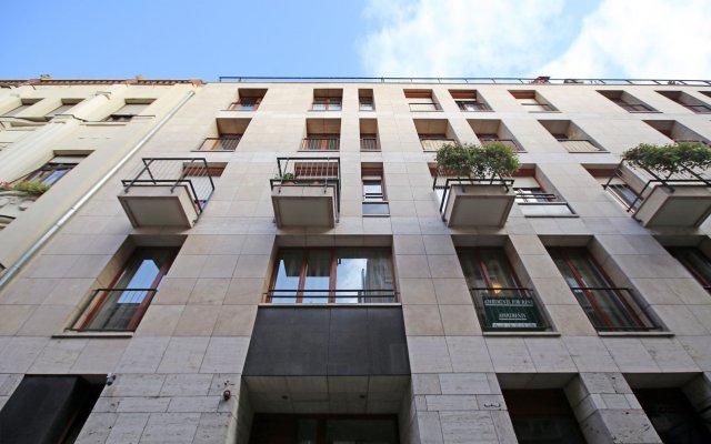 Апартаменты Avantgarde Apartments вид на фасад