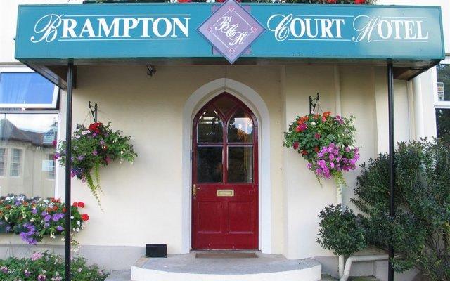 Отель Brampton Court вид на фасад