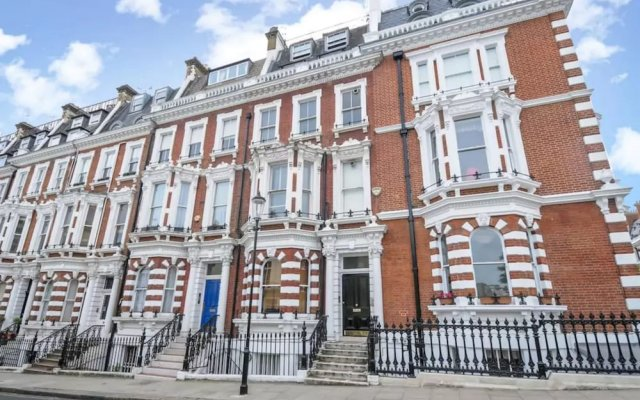 Отель Luxury Kensington Apartment Великобритания, Лондон - отзывы, цены и фото номеров - забронировать отель Luxury Kensington Apartment онлайн вид на фасад