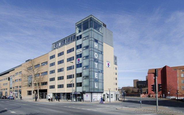 Отель Cabinn Odense Оденсе вид на фасад