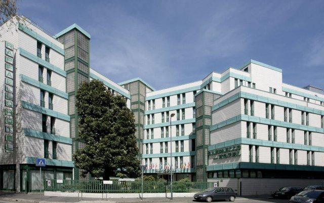 Hotel Raffaello Милан вид на фасад