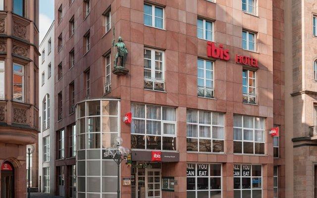 Отель ibis Nuernberg Altstadt вид на фасад