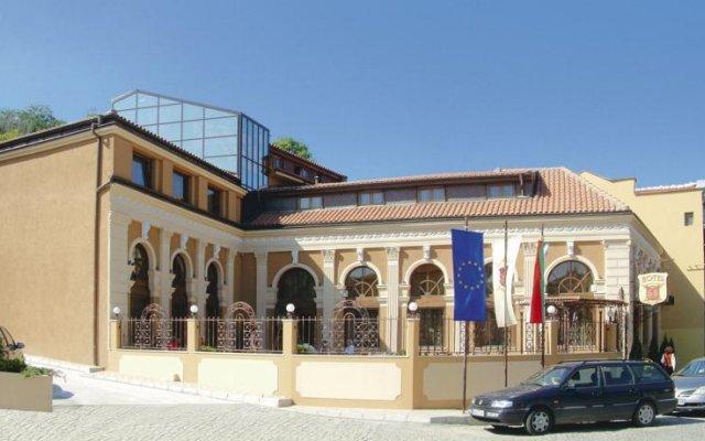 Отель Seven Hills Болгария, Пловдив - отзывы, цены и фото номеров - забронировать отель Seven Hills онлайн вид на фасад
