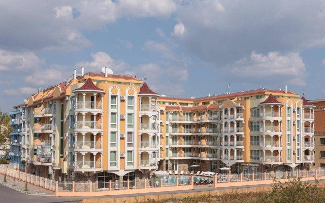 Апартаменты Silver Springs Apartments вид на фасад