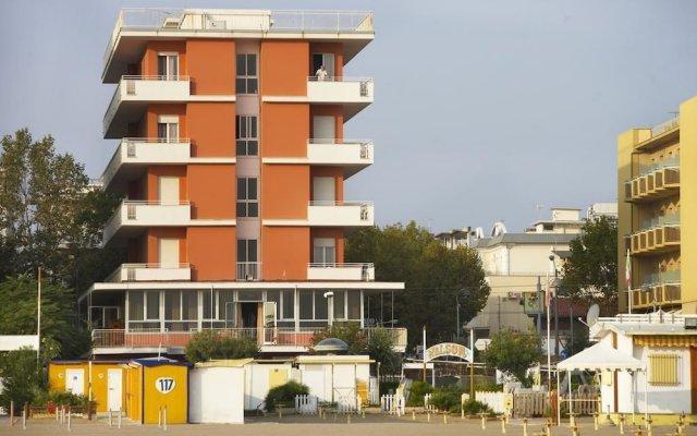 Hotel Nelson Римини вид на фасад