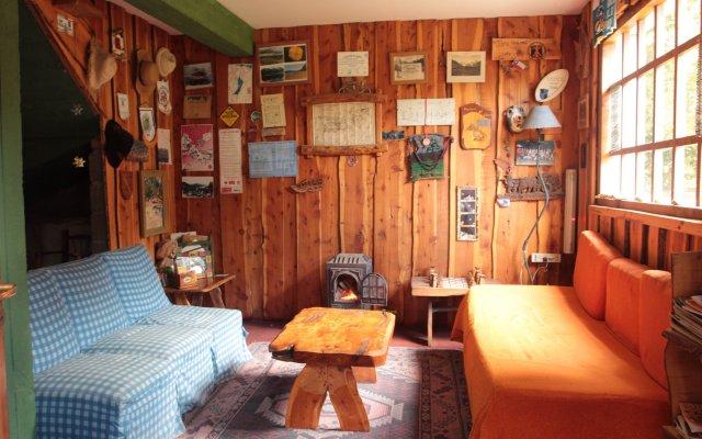 Hostel y Camping Los Coihues 1