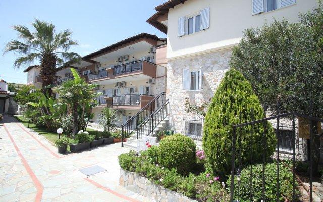 Отель Sarantis Hotel Греция, Ханиотис - отзывы, цены и фото номеров - забронировать отель Sarantis Hotel онлайн вид на фасад