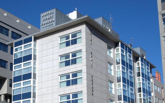 Отель Zenit Coruña вид на фасад