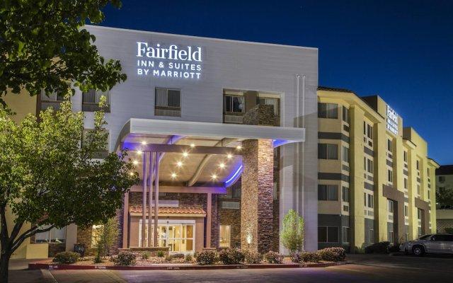 Отель Fairfield Inn & Suites by Marriott Albuquerque Airport вид на фасад