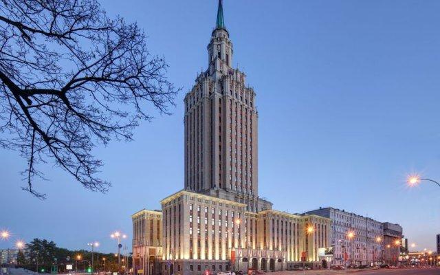 Гостиница Hilton Москва Ленинградская вид на фасад