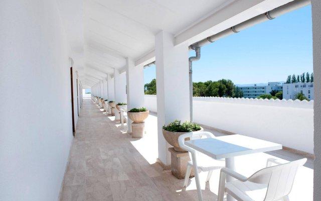 Отель Grupotel Alcudia Suite вид на фасад