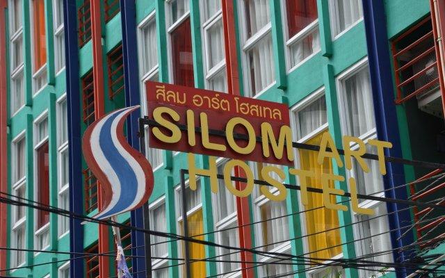 Silom Art Hostel Бангкок вид на фасад