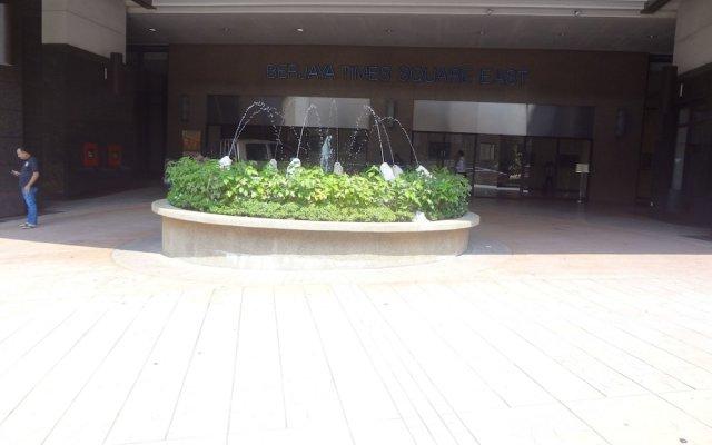 Отель Genius Service Suite at Times Square Малайзия, Куала-Лумпур - отзывы, цены и фото номеров - забронировать отель Genius Service Suite at Times Square онлайн вид на фасад